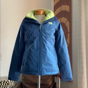 The north face high and dry shady blue jacket